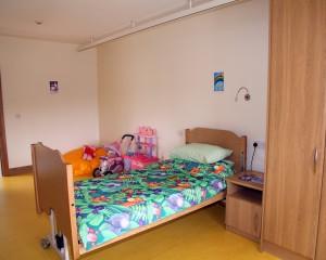 (6) Bedroom